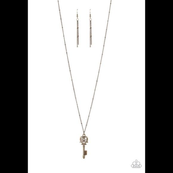 ✨3 for $10✨ Brass key necklace